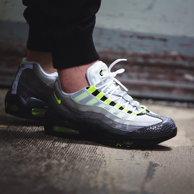 super popular bf628 d2cc4 ... low price og premium neon safari animal 759986 071 nike air max 95 .  639f2 4ebc6