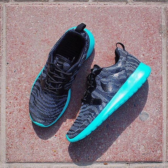 Кроссовки Nike Wmns Roshe One KJCRD Wolf