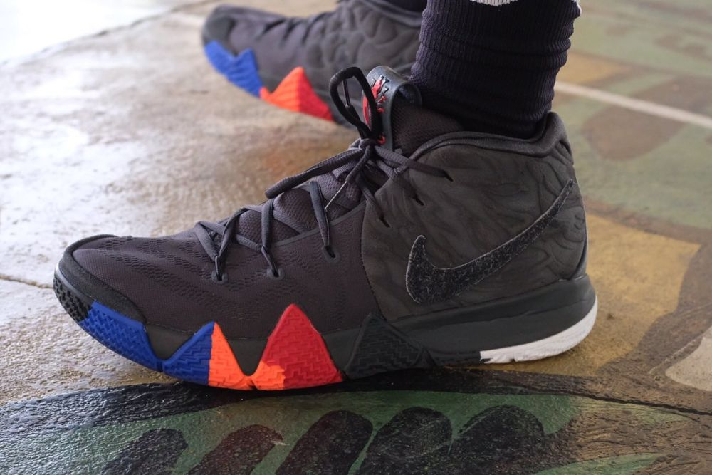 huge discount 0c72c df285 Баскетбольные кроссовки Nike Kyrie 4