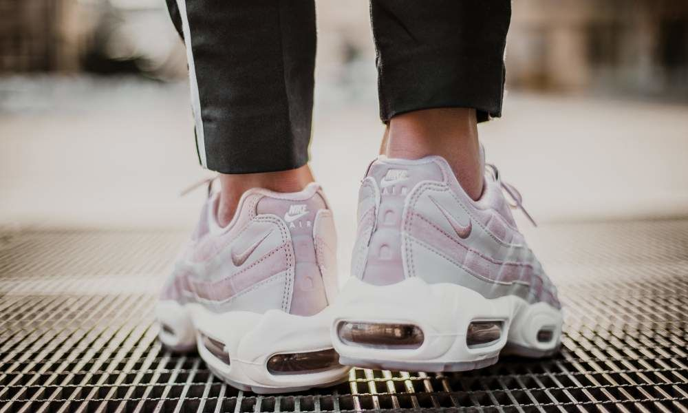 buy online 9c54f 23cef Женские кроссовки Nike Air Max 95 Deluxe