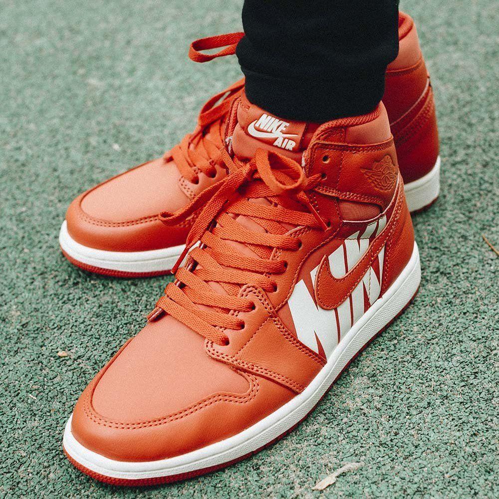 wholesale dealer d3356 028e9 Баскетбольные кроссовки Air Jordan 1 Retro High OG 'Orange'