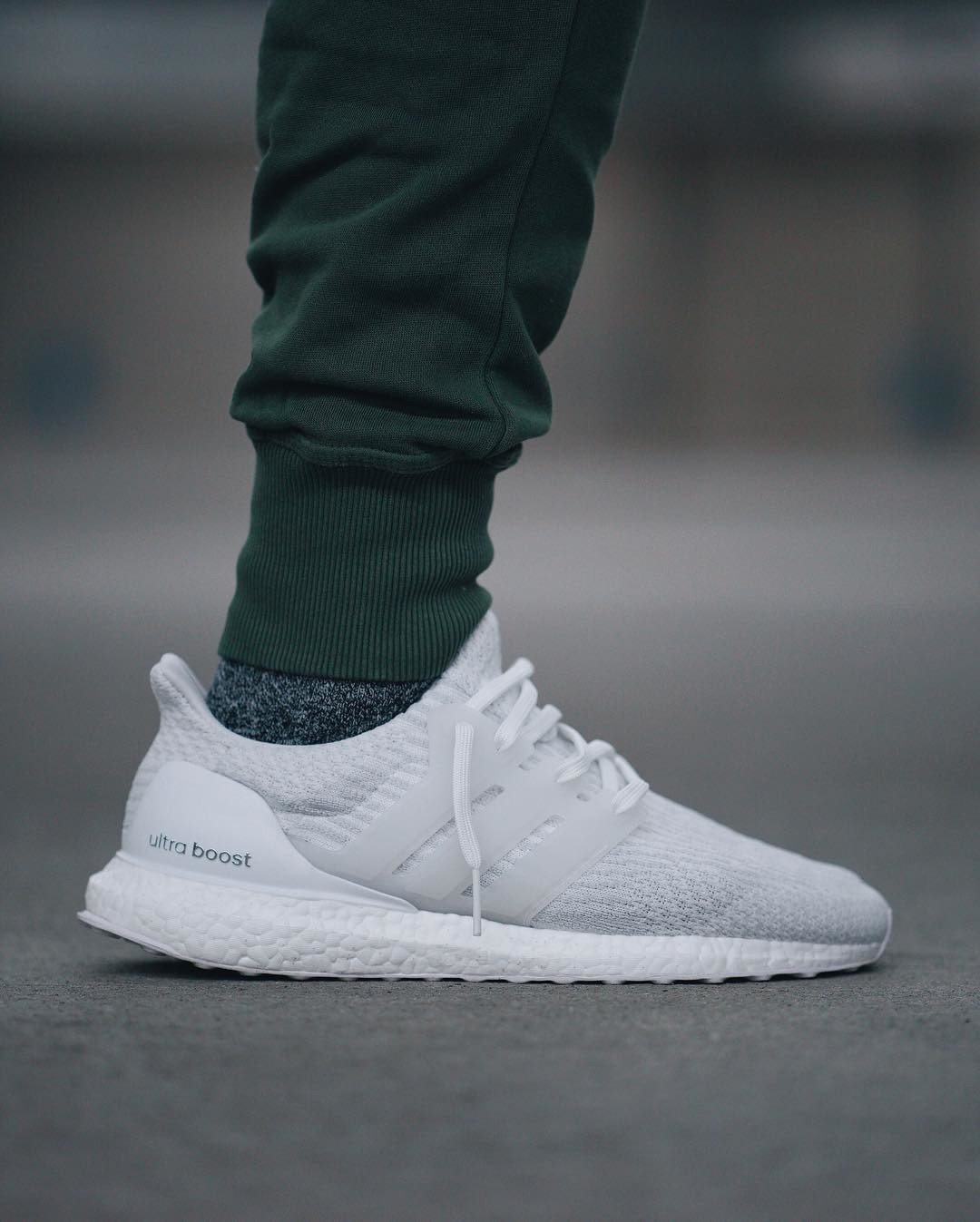 i adidas ultra boost 3 0 triple white. Black Bedroom Furniture Sets. Home Design Ideas