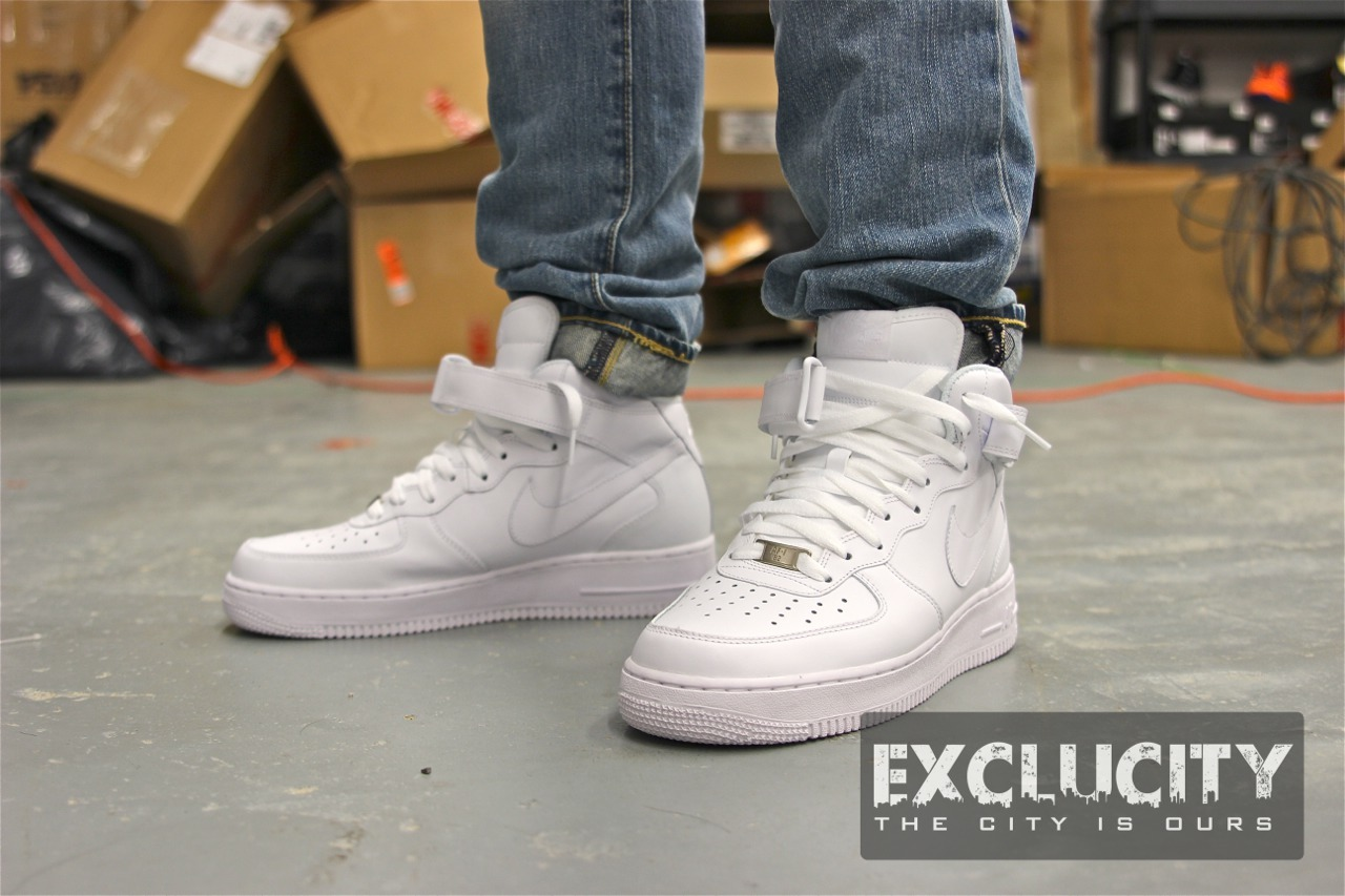 nike air force 1 mid white on feet