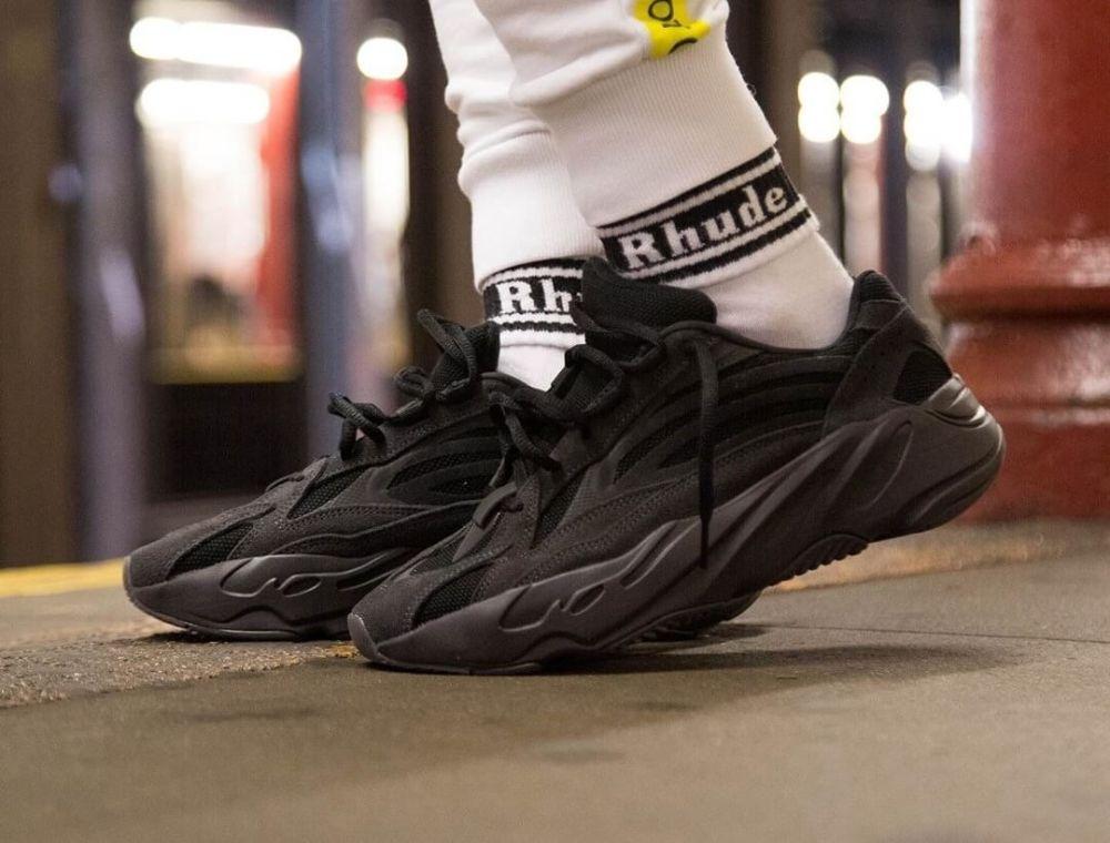 https://brooklynstore.com.ua/content/images/9/krossovki-adidas-yeezy-boost-700-v2-vanta-0-99639286813190_small11.jpg
