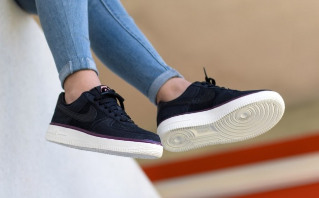 "Кроссовки Оригинал Nike Wmns Air Force 1 07 Suede ""Black/Atomic/Pink"" (749263-003), EUR 36"