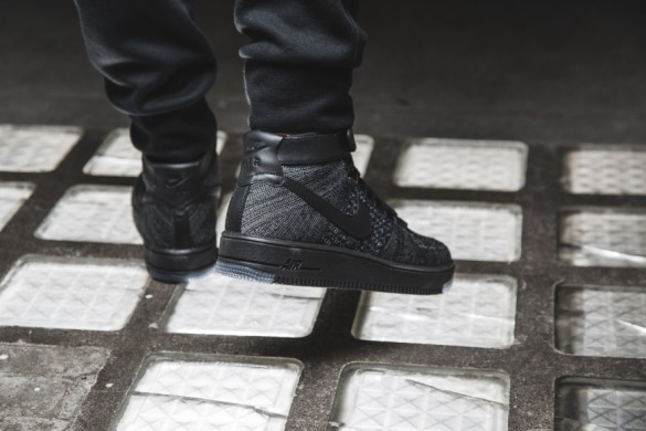 "Кросiвки Nike Air Force Flyknit Mid ""Black"", EUR 42"