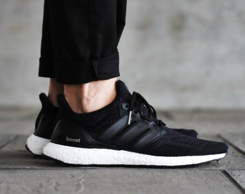 "Кросівки Adidas Ultra Boost ""Core Black White"", EUR 42"