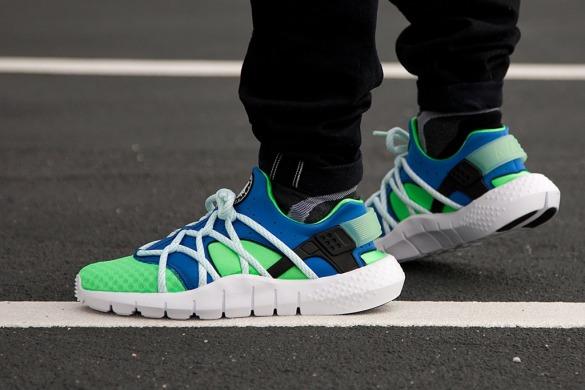 2ebb5dbbe53525 Кроссовки Nike Huarache NM Poison