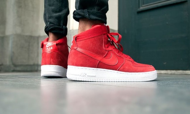 Кроссовки Nike Air Force 1 High 07 Suede