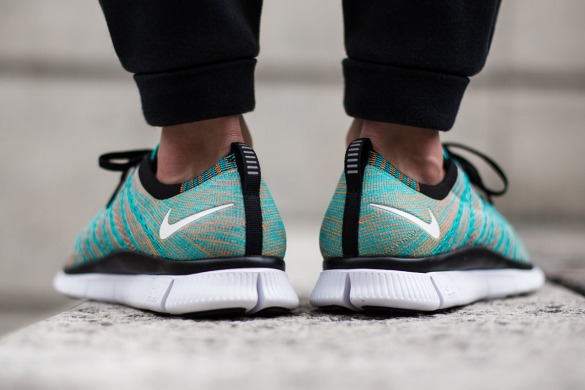 "Кросівки Nike Free Flyknit NSW ""Hyper Jade & Total Orange"", EUR 43"