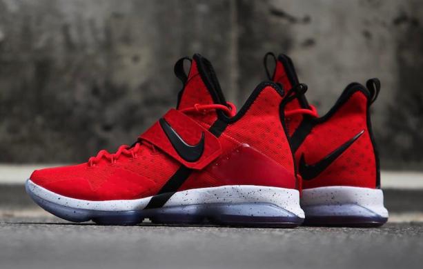 Баскетбольные кроссовки Nike LeBron 14