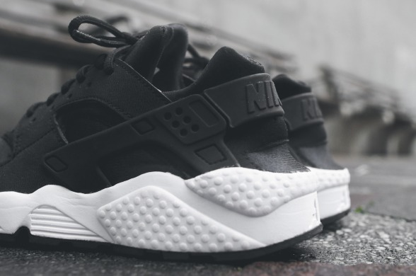 "Nike Air Huarache OG ""Black/White"", EUR 41"