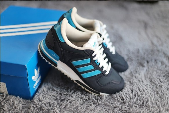 "Кроссовки Adidas ZX700 ""Black/Blue/White"", EUR 39"