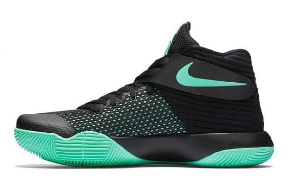 Баскетбольні кросівки Nike Kyrie 2