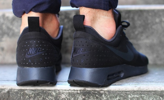 "Кроссовки Оригинал Nike Air Max Tavas ""Black/Anthracite-Black"" (705149-010), EUR 41"